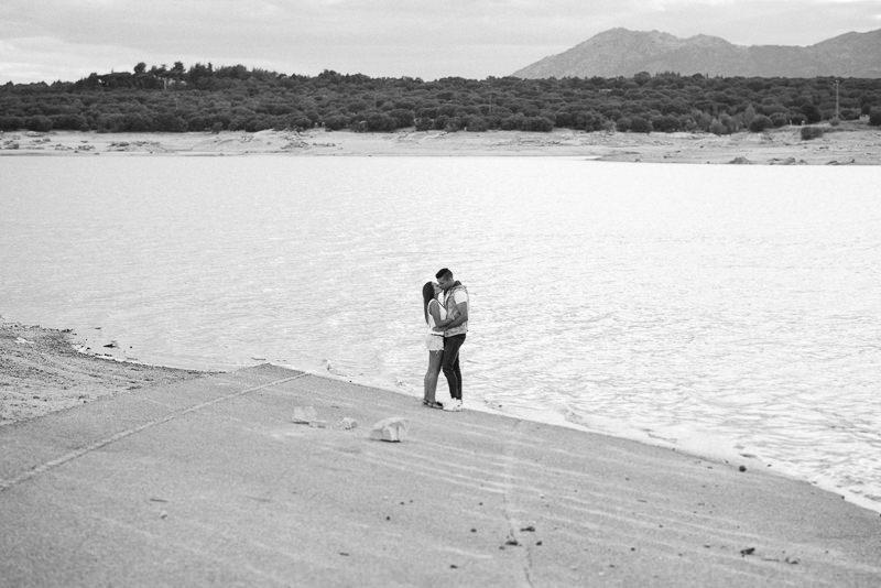 41_Sesión-de-pareja-en-la-sierra_Fotografo-de-bodas-en-madrid_Alberto-Desna
